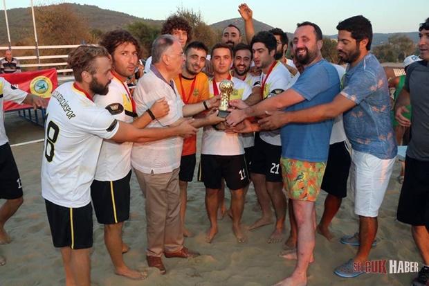 selcuk-plaj-futbolu (1)