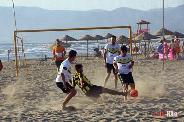 selcuk-plaj-futbolu (2)