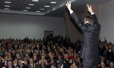 İzmir'de Saffet Sancaklı Fırtınası Esti