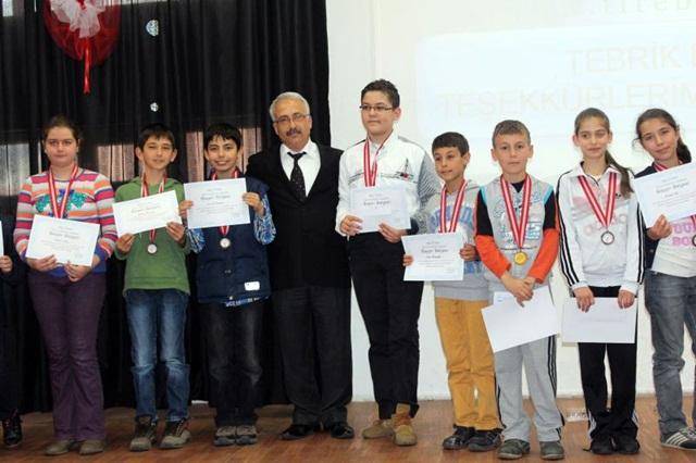 Matematik Fen Yarışması Yapıldı (1)