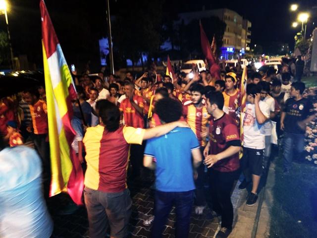 Galatasaraylıların şampiyonluk coşkusu (2)