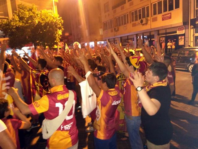 Galatasaraylıların şampiyonluk coşkusu (6)