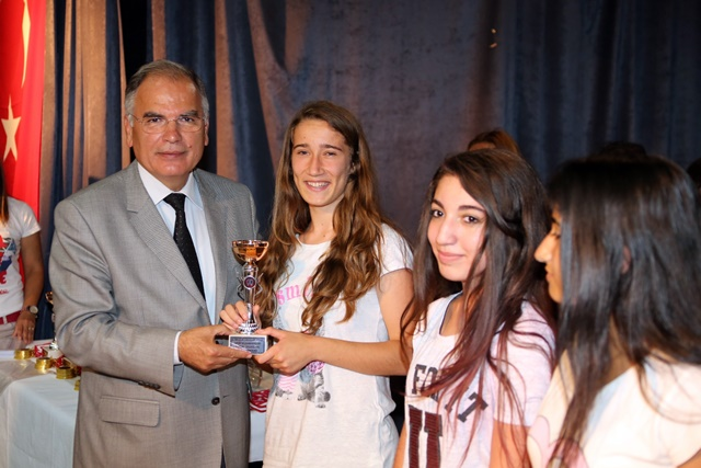 Selçukun sporda başarılı öğrencileri ödüllerini aldı (2)
