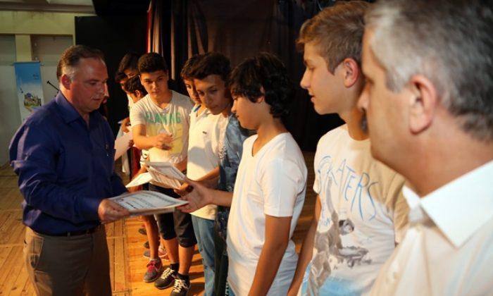 Selçuk'un sporda başarılı öğrencileri ödüllerini aldı