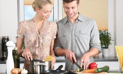 Neden evde kaldıkça daha çok yiyoruz? Yeme isteği psikolojik mi?