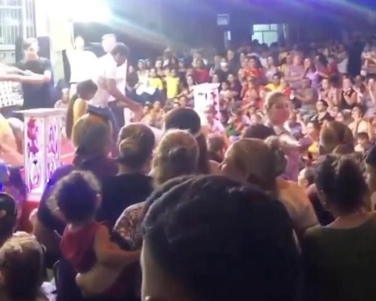 İzmirde akılalmaz görüntüler Sadece bir kişi maske taktı, düğün sahibine ceza